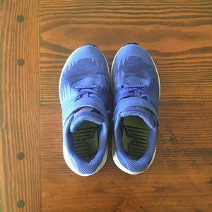 Girl' Nike shoes
